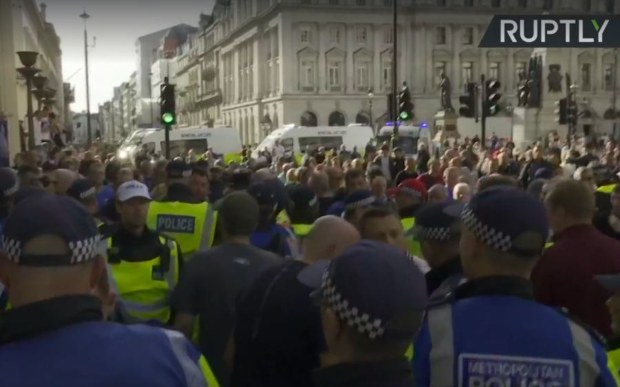 Football Lads Alliance rally meets counter-protesters in London (VIDEOS)