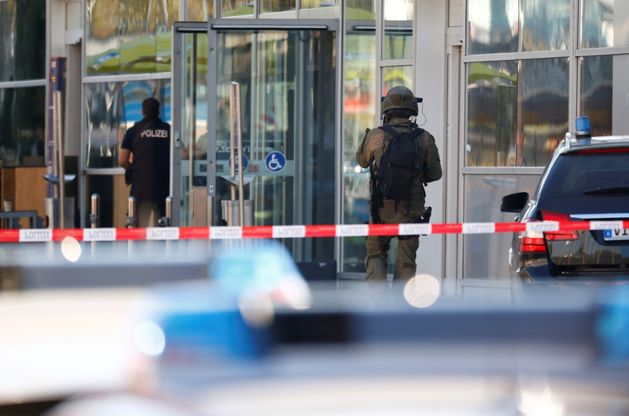 Cologne train station hostage situation in Germany today - Live updates