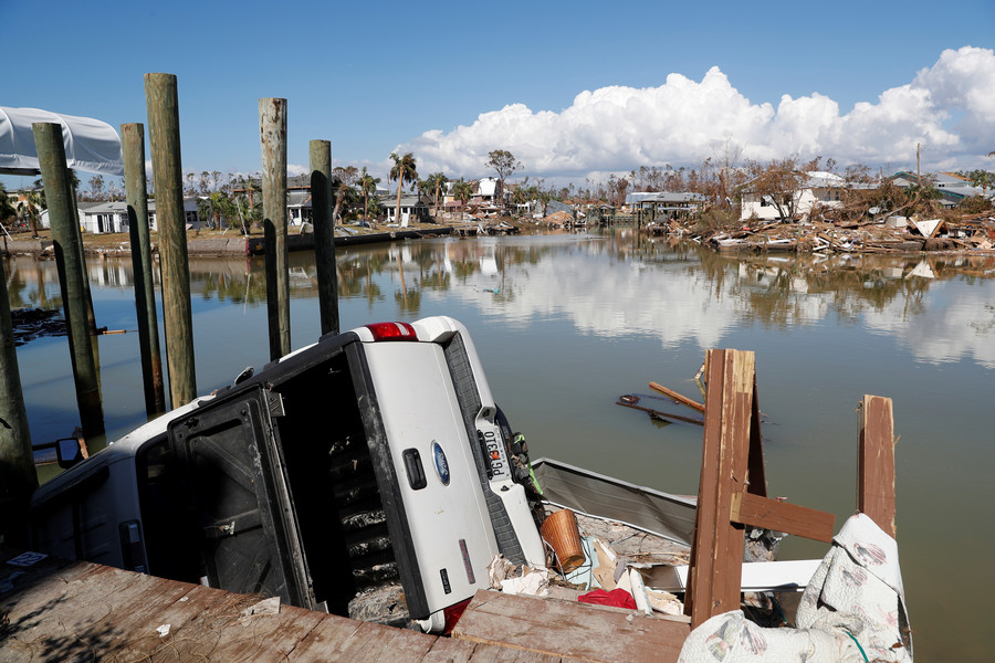 Florida cops struggle to stop armed looters as hurricane Michael death toll reaches 33