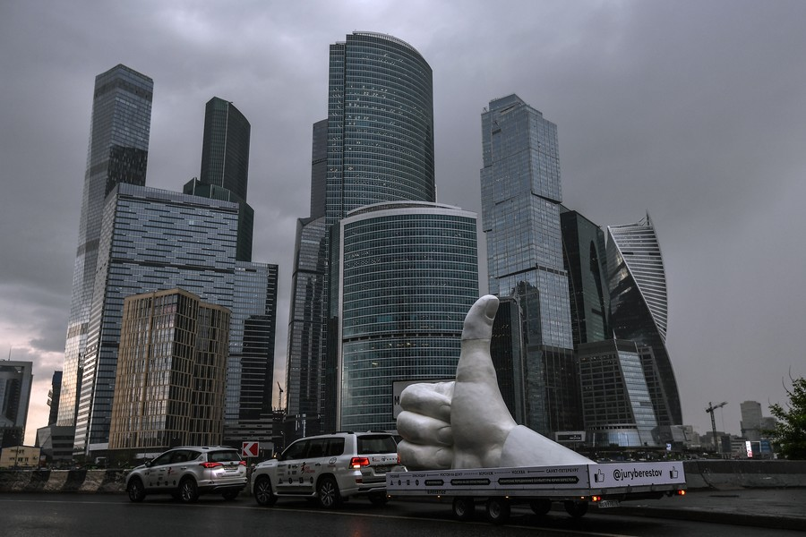 Sanctions anyone? Russia's richest keep getting richer