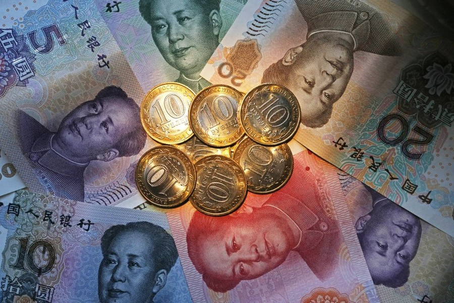 Russia & China preparing to ditch dollar for national currencies in trade – top official