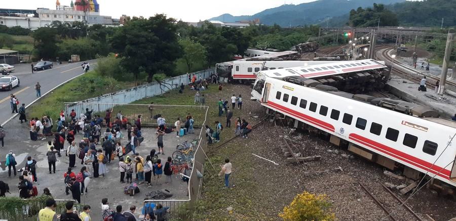 18 dead, 168 injured in catastrophic train derailment in Taiwan (DISTURBING PHOTOS)