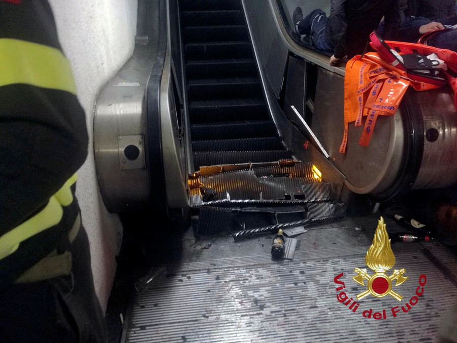 Rome escalator collapse: Over a dozen Russian CSKA Moscow fans injured & hospitalized (VIDEO)
