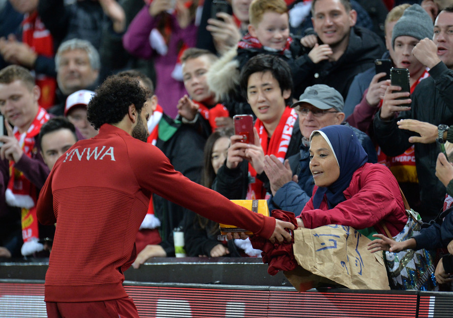 The sweetest gift? Mo Salah gives shirt to fan for chocolate present after UCL win (PHOTOS/VIDEO)