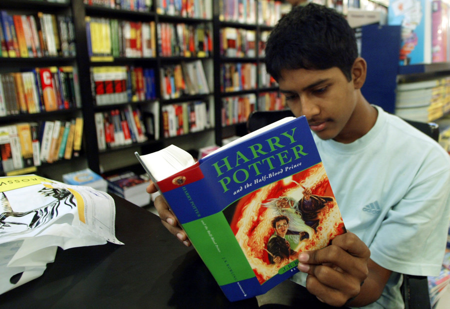 Chamber (pot) of Secrets: JK Rowling grosses fans out with toilet truth
