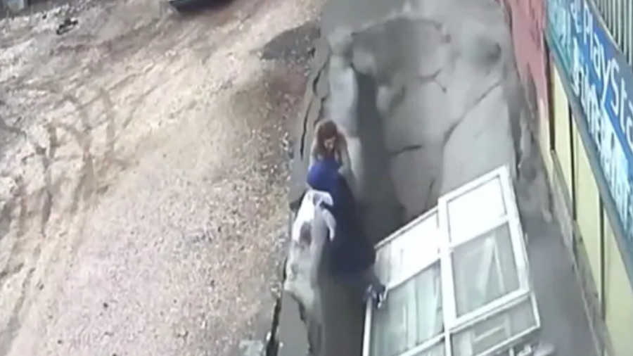 Horrifying footage emerges of sinkhole swallowing two women in Turkey (VIDEO)