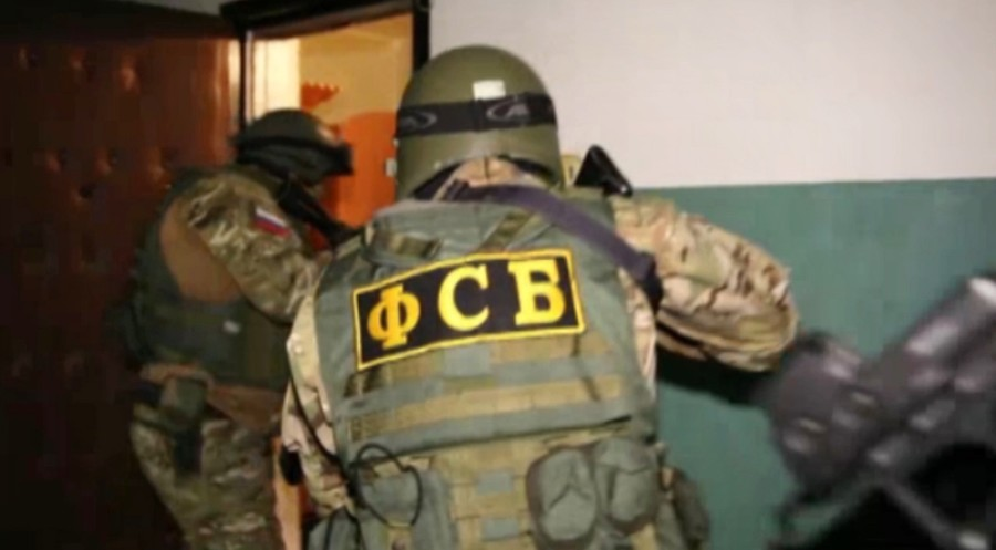 Russia's FSB busts ISIS cell planning terrorist acts in Moscow