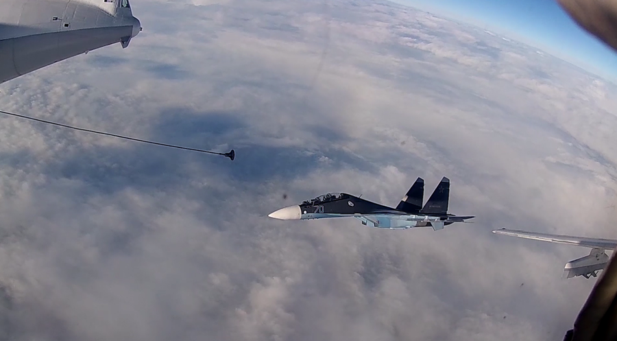 WATCH Russian fighter jets and bombers dual-refuel mid-air with surgical precision in Baltics drill