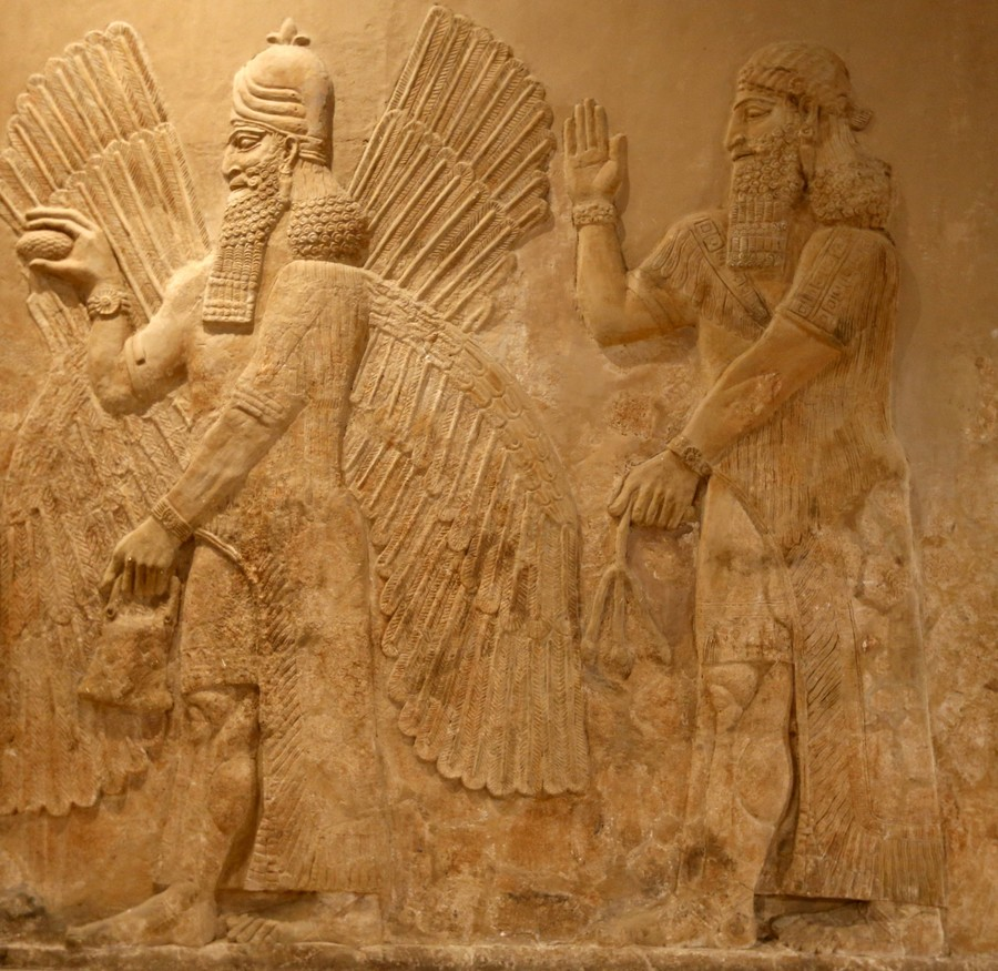 Art theft? Iraq demands return of 3,000-yr-old Assyrian artefact up for auction in New York
