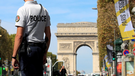2 seriously injured in shooting in central Paris – reports