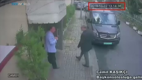 Turkish TV airs VIDEO of missing journalist walking into Saudi consulate, black van leaving