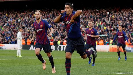 Barcelona 5-1 Real Madrid: Suarez hat-trick piles pressure on beleaguered Lopetegui