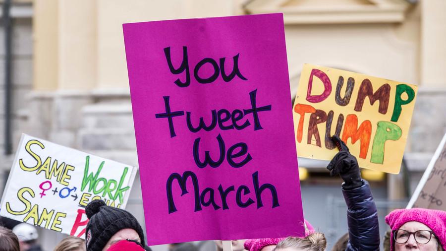 Clinton bots more talkative & influential than Trump bots around 2016 debates, study finds