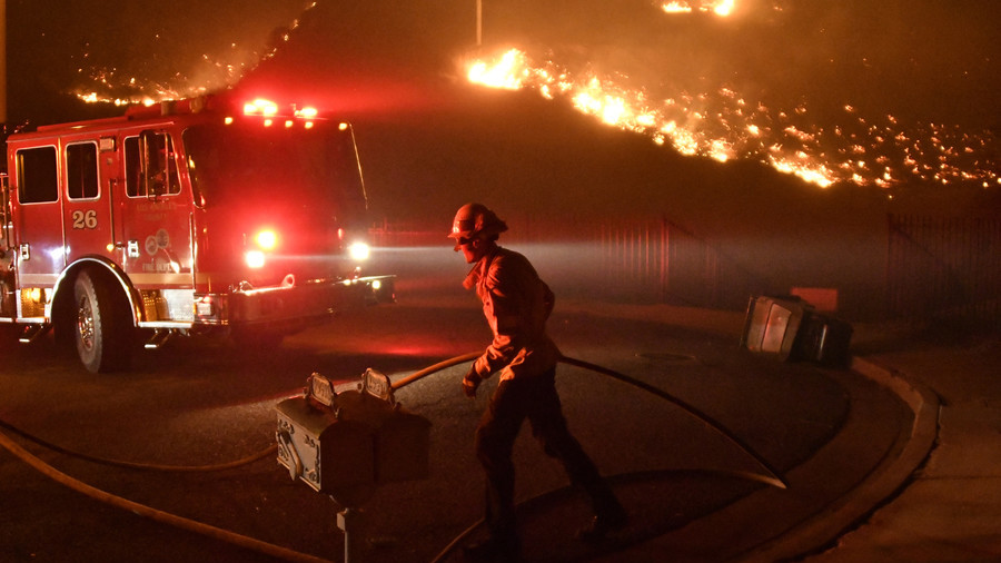 Raging California wildfires force LA Rams to cancel training as players, coaches evacuate homes