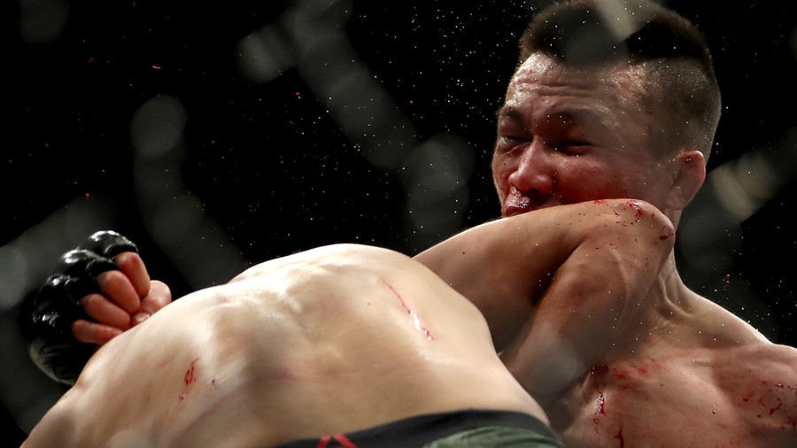 UFC's 25th anniversary event ends with stunning last-second KO (VIDEO)