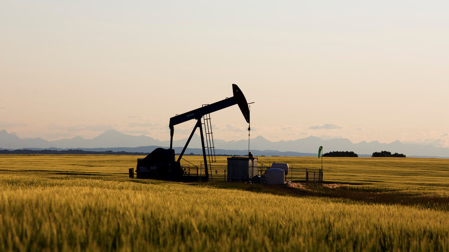 Quicktake: Why are oil prices plunging?