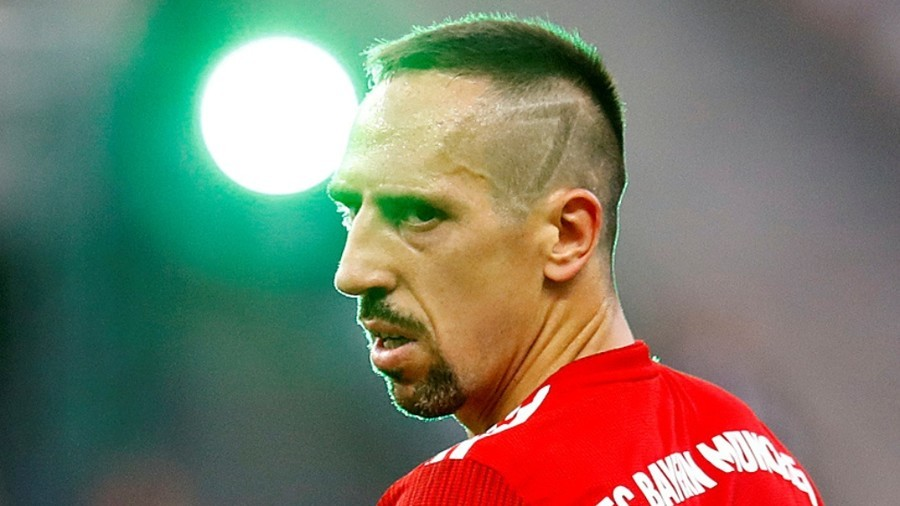 Bayern Munich ace Franck Ribery apologizes for slapping TV reporter following Dortmund defeat