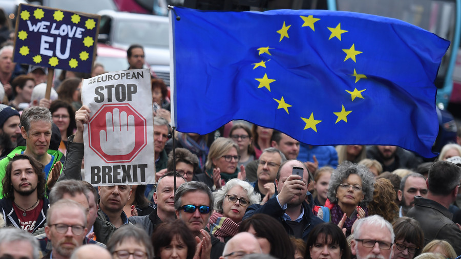 Brexit draft agreement: Kicking Northern Ireland border issue down the road & other key points
