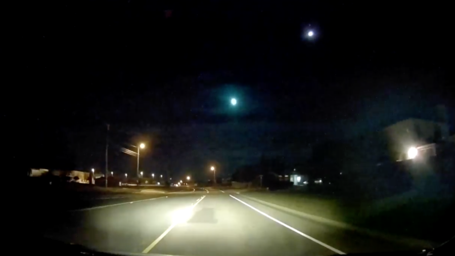 Bright fireball lights up Texas night sky