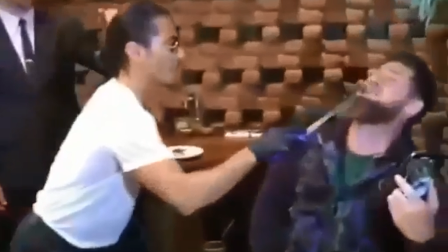 Salt Bae feeds Chechen leader Kadyrov meat straight from a knife (VIDEO)