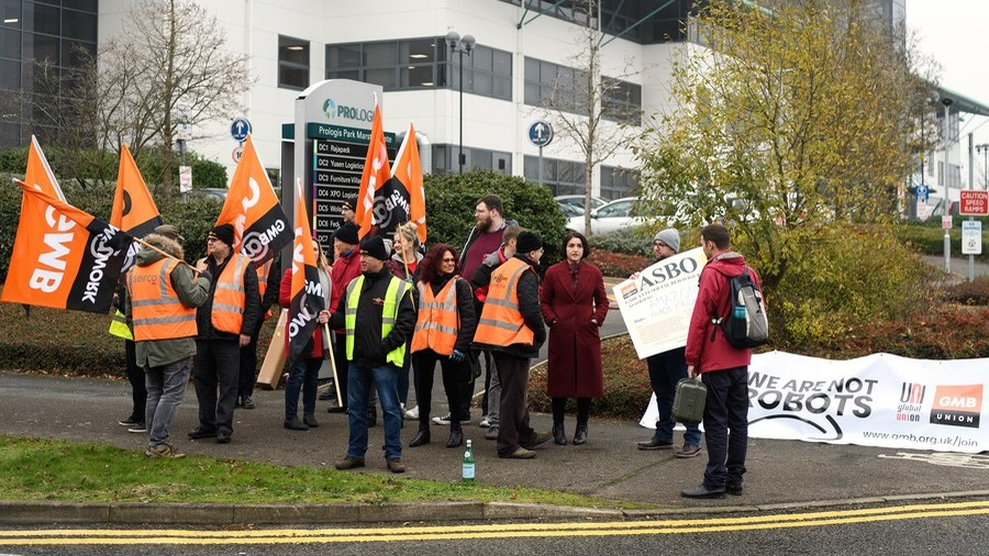 'We're not robots': Amazon employees protest across Europe on Black Friday (VIDEO)