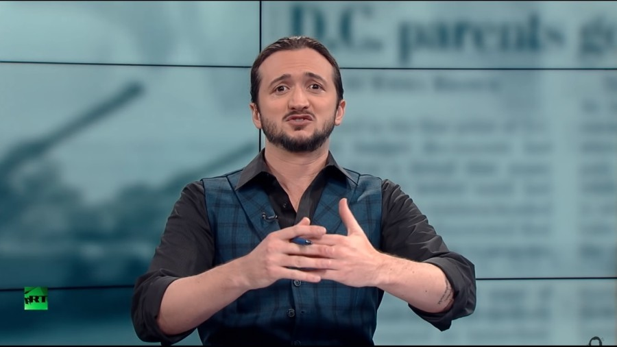 'Can we spend national holiday without killing something?' Lee Camp takes on food and war industry