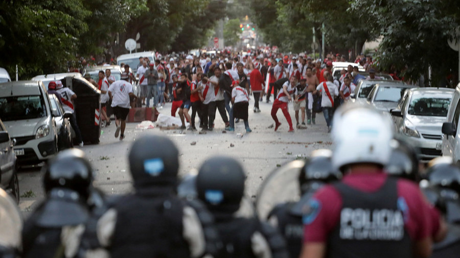 River fans attack Boca team bus ahead of Libertadores final