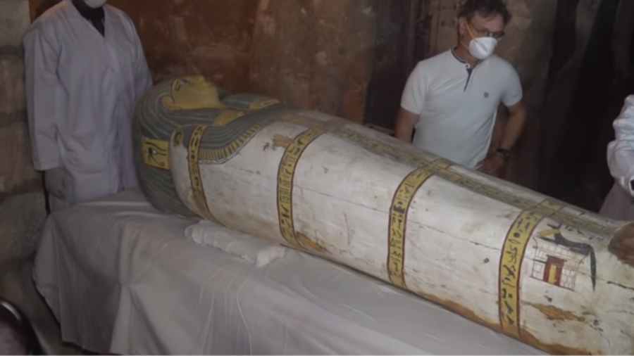 Archaeologists crack open 3,000yo Egyptian tomb to discover mummified high priest (VIDEO)