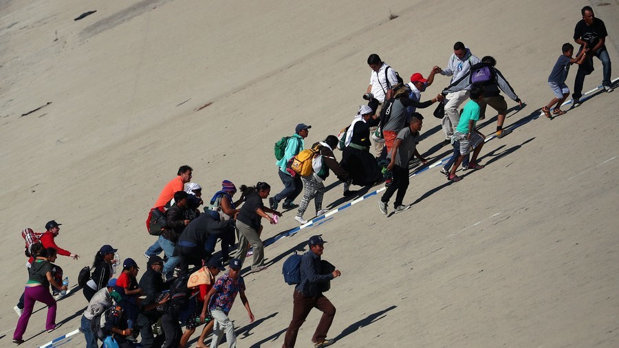 UN Officials: Caravan Rhetoric Violates 'Right to Mental Health' of Migrants