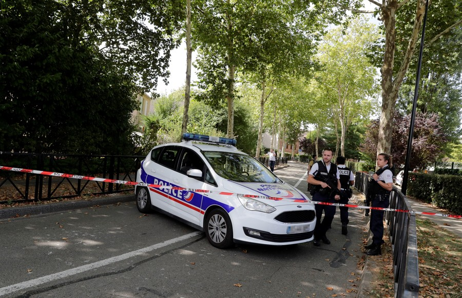 6 'ultra-right' arrested over plans to attack Macron