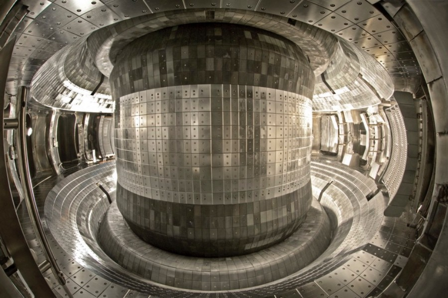 Experimental Chinese fusion reactor achieves temperatures of 100 million C