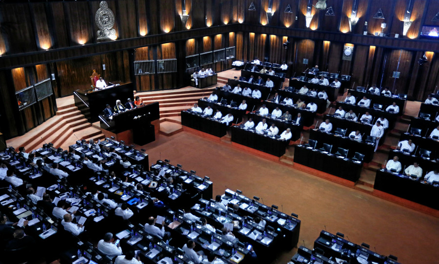 Political punches: Brawl breaks out during Sri Lankan parliamentary session (VIDEO)