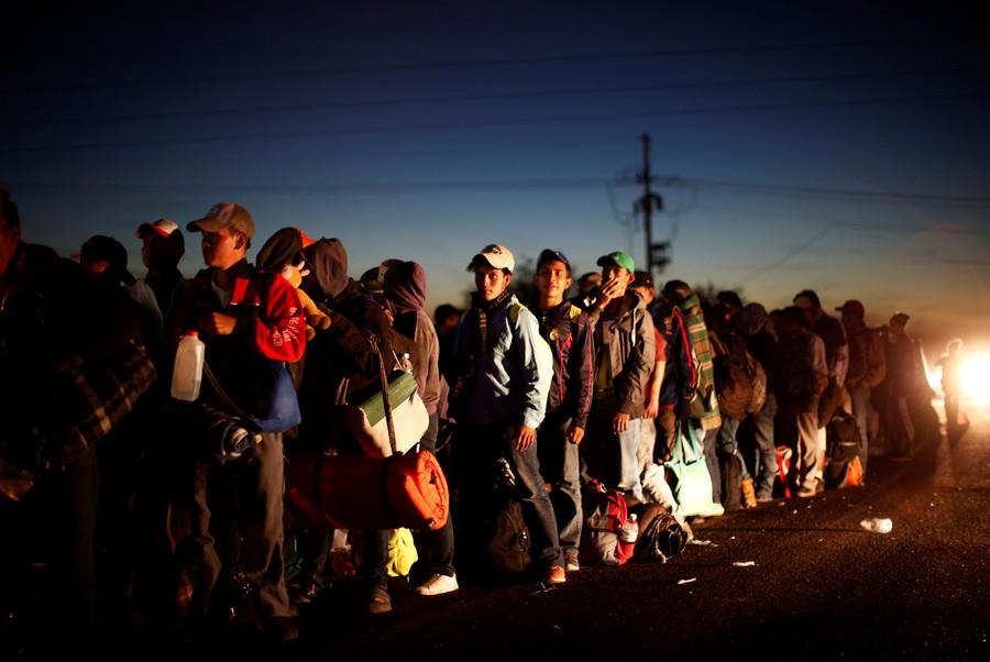 US judge temporarily blocks Trump's order refusing asylum to illegal migrants from Mexico