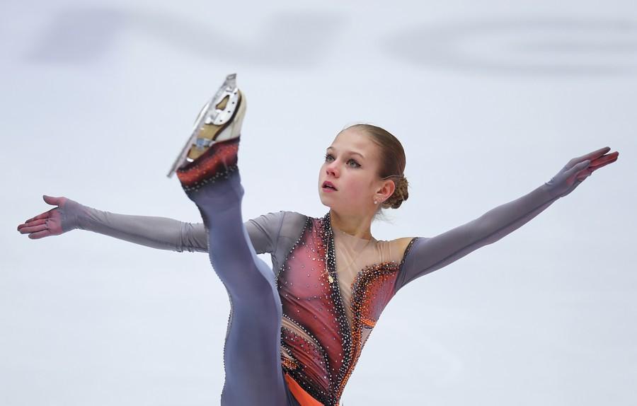 Russian figure skating sensation Trusova pulls off stunning combo never seen before