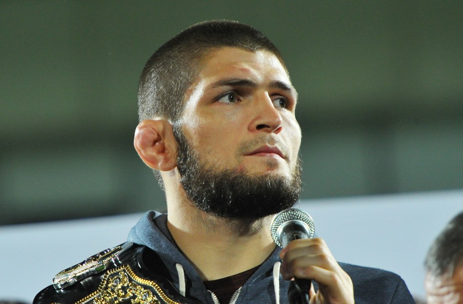 Mystic Khabib: UFC lightweight champ nails score prediction before watching PSG v Liverpool (VIDEO)