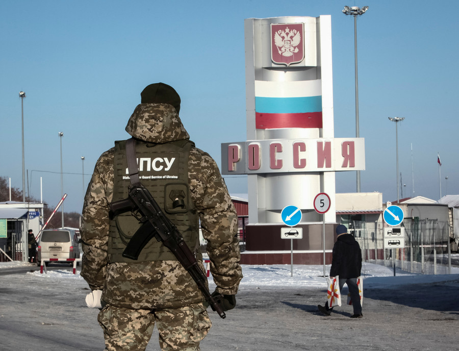 Ukraine bans entry for ALL Russian males aged between 16 and 60