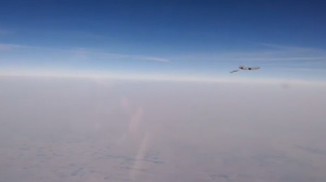 Russian cockpit VIDEO shows intercept of 'French Rafale jets over Syria' during refueling