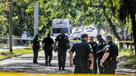 Gunman kills 2, wounds 6 at yoga studio in Florida, suspect dead