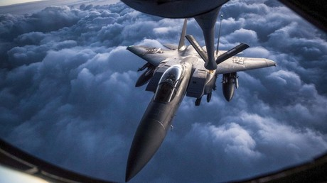 FILE PHOTO: A US Air Force F-15 aerial refueling © Global Look Press / US Air Force