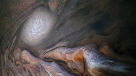 NASA's Juno spacecraft captures incredible cosmic 'dolphin' in Jupiter's clouds (PHOTOS)