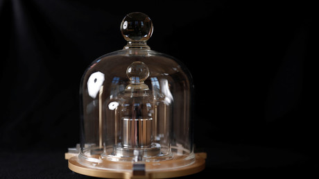 Weight of change: Kilogram shakeup confuses netizens