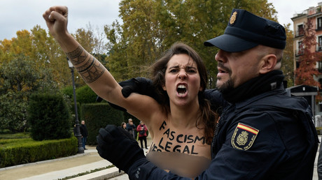 FEMEN activists in topless stunt against fascist Franco commemoration (VIDEO)