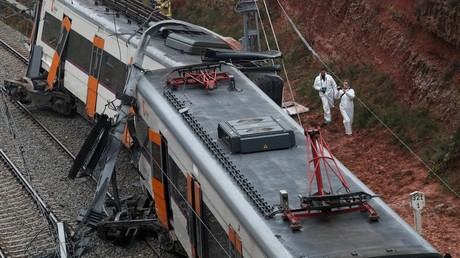 Passenger train derails near Barcelona, casualties reported (PHOTOS)