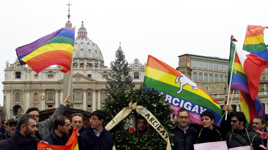 Catholic priests must resist 'fashionable' homosexuality or leave clergy – Pope Francis