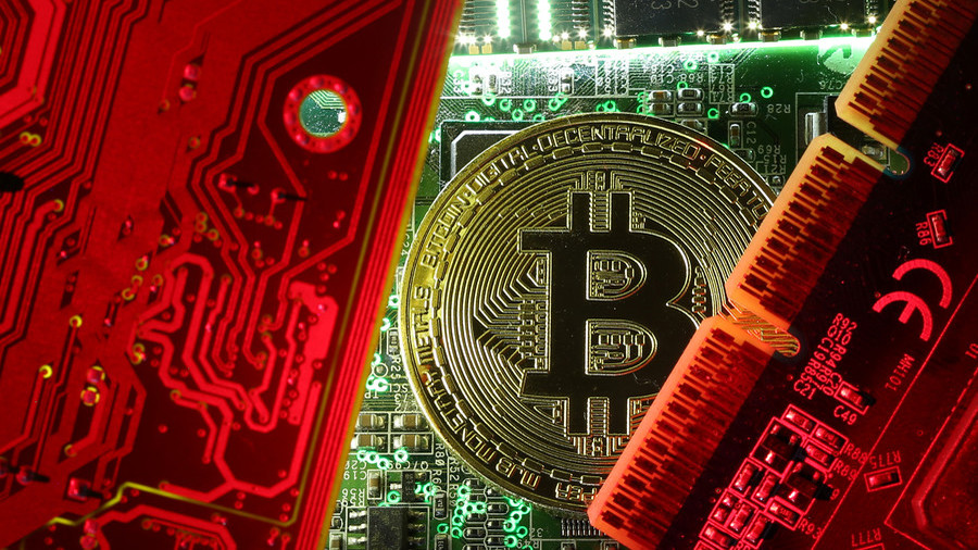 Bitcoin mining rig maker holds fire sale after cryptocurrency crash