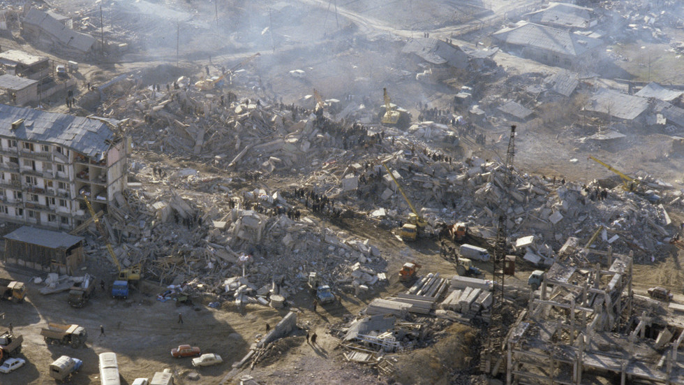City gone in 30 seconds: How deadly earthquake devastated Soviet Armenia three decades ago (PHOTOS)