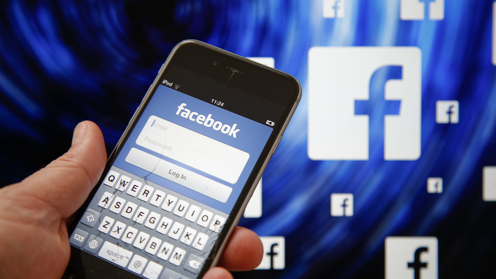 Facebook DOWN in US Eastern Coast for hundreds of users