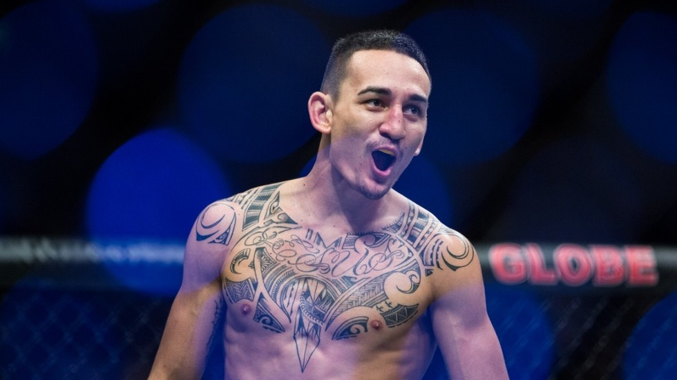 Max Holloway defeats Brian Ortega by TKO at UFC 231
