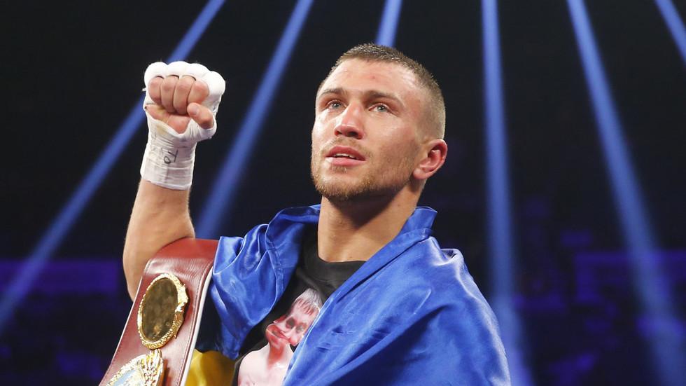 Vasiliy Lomachenko Dominates Jose Pedraza to Unify Lightweight Titles