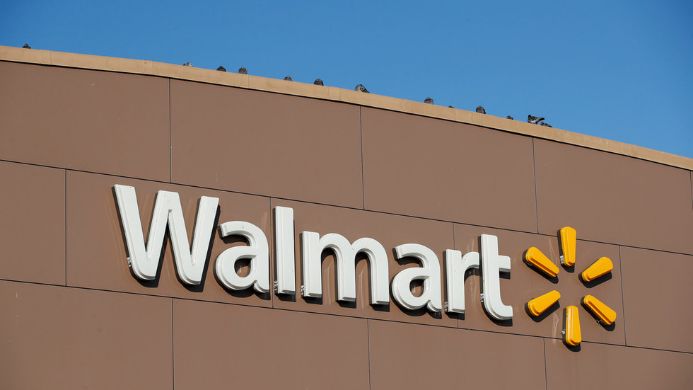 'F*** this job': Jaded Walmart employee quits in Oscar-worthy intercom tirade